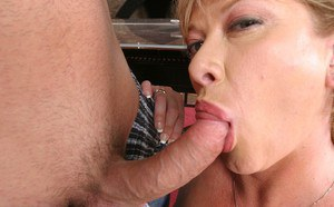 Slutty cougar gets jizzed over her face and big tits after FMM threesome