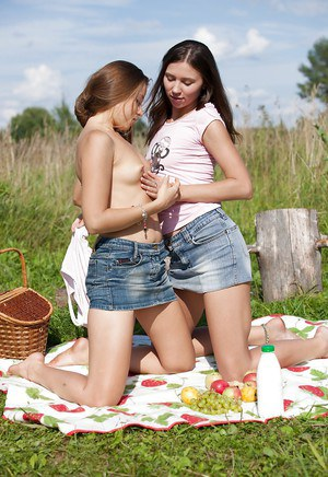 Dirty-minded teen floosies have some pussy licking and fingering fun outdoor