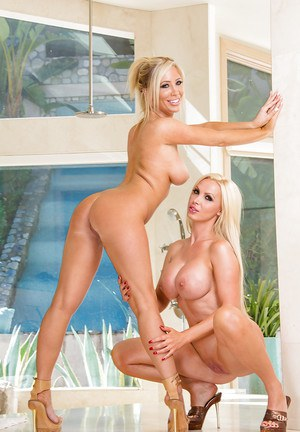 Steaming hot blondies getting rid of their bikinis and caressing each other