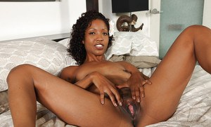 Mature ebony hoe Lotus Lain shakes her small, brown bristols