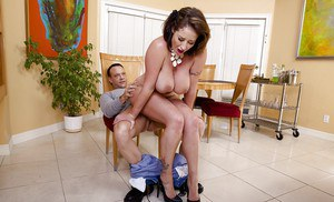 Scrumptious wife Eva Notty proves to be very a sexy and hungry cougar