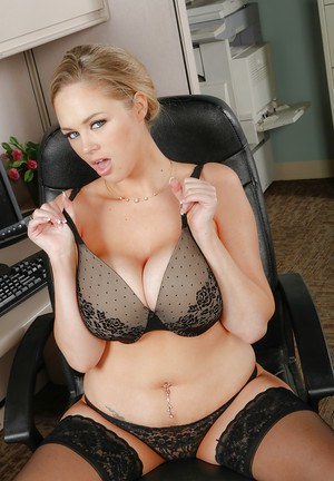 Amusing babe Katie Kox licks her big nipples and fingers cootch