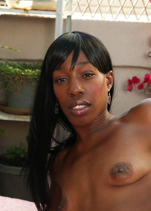 Dear ebony milf Pepper Deville is willing to do some solo today