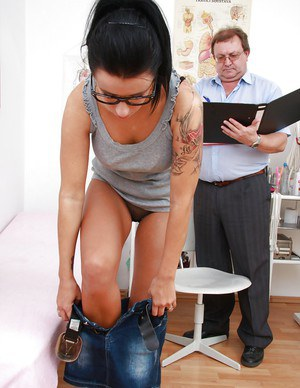 Fuckable brunette in glasses gets her pink pussy properly examed