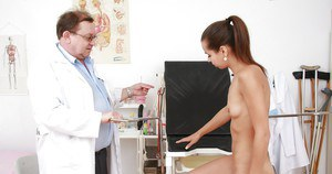 Shy brunette sweetie gets her pink pussy properly examed by a naughty doctor