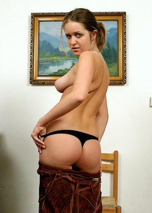 Kind amateur babe Jitka is a teen that you would definitely fuck