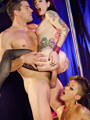 White and ebony punk hotties have a fervent threesome with a hung lad