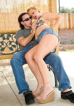Vulnerable cougar with awesome jugs Violet Appamson does awesome job