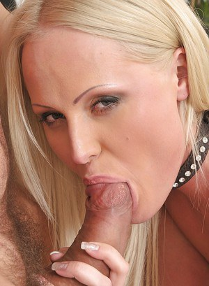 Slutty blonde vixen gets mouthly fucked and takes a cumshot on her face