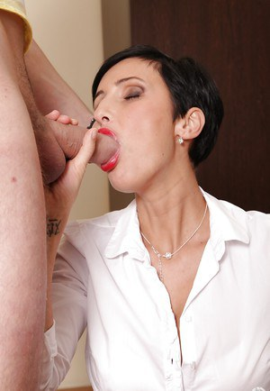 Blowjobbing milf has a real talent of swallowing delectable semen