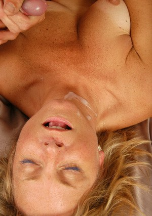 Splendid mature mom Katie is smiling to thick cum on her face