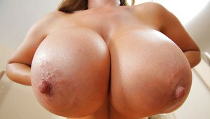 Asian blonde milf Kianna Dior proves that her big tits are perfect