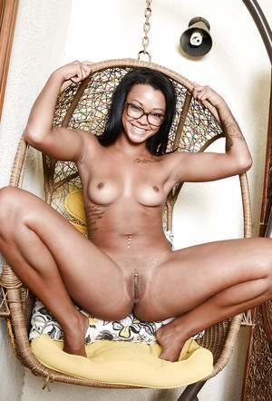 Petite ebony Harley Dean needs to jill pussy in order to reach big O