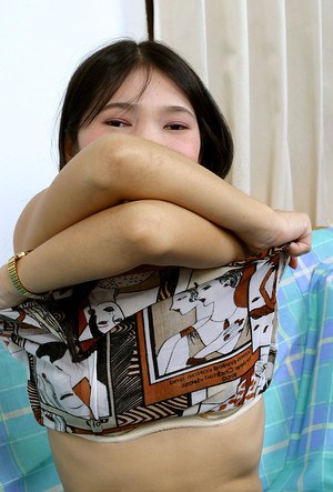 Tremendous Asian brunette Diep is getting ready for a sweet fuck