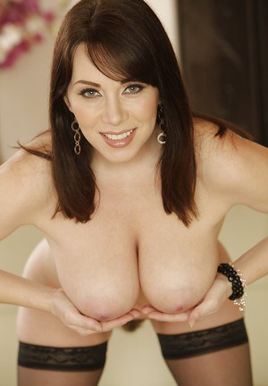 Undressing milf babe Ray Veness is doing it in her dark stockings