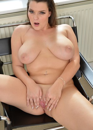 Amateur fatty Cherry demostrates her big tits and that chubby pussy