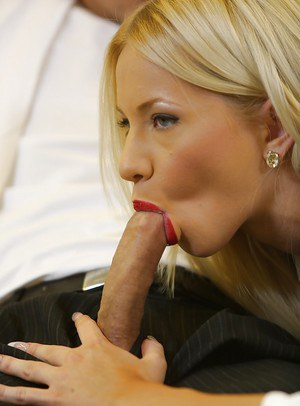 Jolly blonde Kiara Lord giving a blowjob and having lots of fun