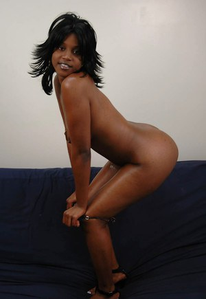 Mocha Jay spreading massive ass and trying to reach sexual peak
