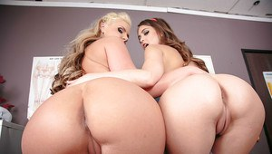 Big ass milf Phoenix giving a pussy licking massage to a babe Riley