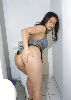 Big tit and ass brunette Alaure spreading her tight shaved pussy