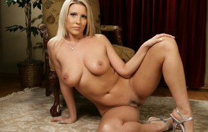 Blonde babe Summer undressing her lingerie to show awesome tits