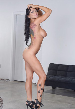 Nasty looking bitch Romi is such a great babe with shaved pussy