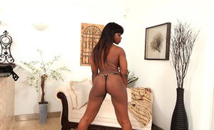 Cute ebony Amber shaking big ass and spreading shaved snatch
