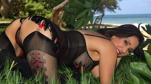The sexiest and most ravishing babe Roni is having lots of fun here