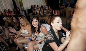 Latina chick with big butts are doing the best blowjobs on a party