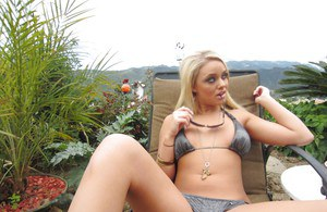 Teen babe Alexis Monroe is demonstrating her body outdoor in a bikini