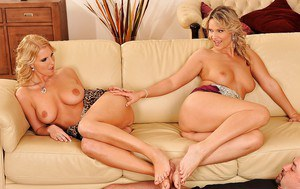 Eve Sweet and Samantha Jolie have an amazing threesome sex
