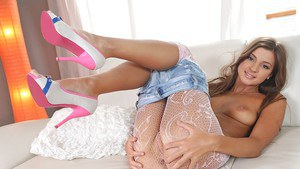 Foot fetish scene with an amazing babe with long legs Melena Maria