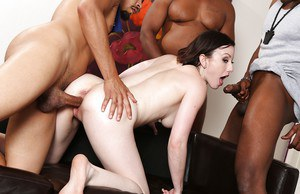 Interracial groupsex with Jennifer White, who loves gangbang