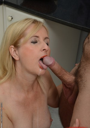 Shaved pussy of a blonde mature Jennyfer gets nailed hardcore