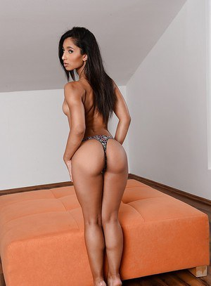 Undressing action features European brunette babe Ria Rodrigez