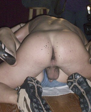 CFNM party features clothed babes doing blowjobs in tight jeans