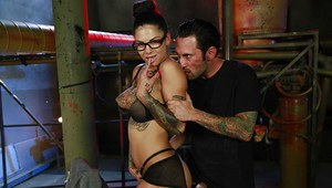 Tattooed milf Bonnie Rotten has sex with her man while in glasses
