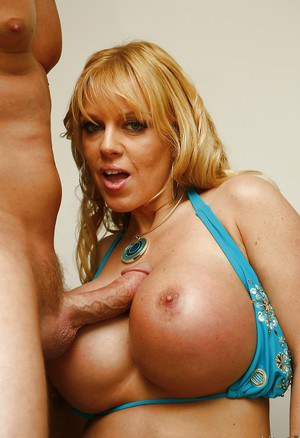 Blonde pornstar Harmony Bliss has her milf mouth nailed and receives cumshot