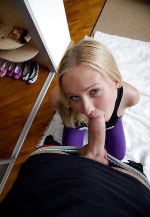 Teen slut with blonde hair Alice K dose an excellent blowjob in yoga pants