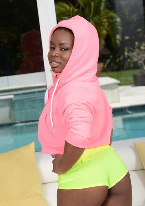 Ebony babe with a perfect ass Chanel Rivers shows off in shorts