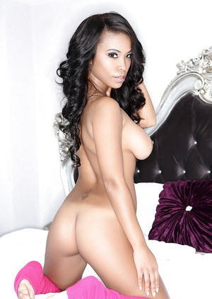Ideal cutie Leola Bell is posing naked on the couch so freaking sexy