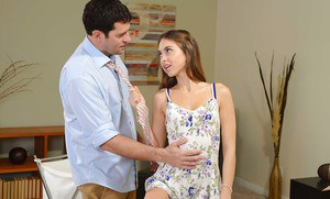 Awesome tiny girl Riley Reid is fucking deep in her wide-opened face