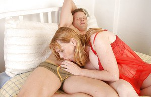 Fatty mature woman Erica gives a good blowjob for her husband