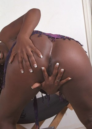 Amateur ebony Neferitti is demonstrating her stunning black booty