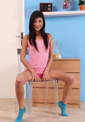 Cute teenager Yukiko shows off her stunning pink pussy on cam