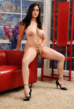 Latina MILF Raylene is touching hr little shaved pussy on cam