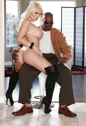 Dick-sucking goddess Alexis Ford fucks with this interracial dude