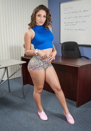 Coed babe Abella Danger shows off her outstanding juicy ass!