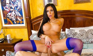 Girlfriend Latina Jaclyn Taylor is swallowing this big wide dick