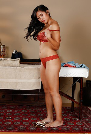 Fine Asian babe Mia Li gets naked and prepares for sensual massage